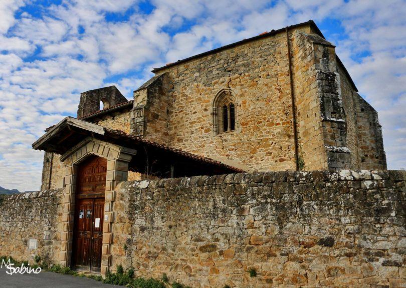 Exterior de la iglesia de Biáñez
