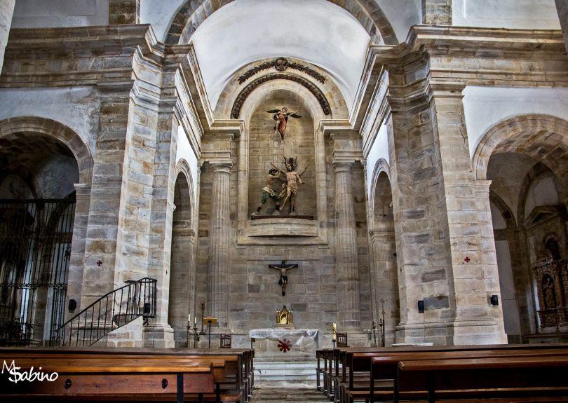 Interior de la iglesia de Aldeacueva